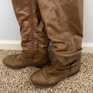 White Mountain Women's size 9.5 brown riding boots
